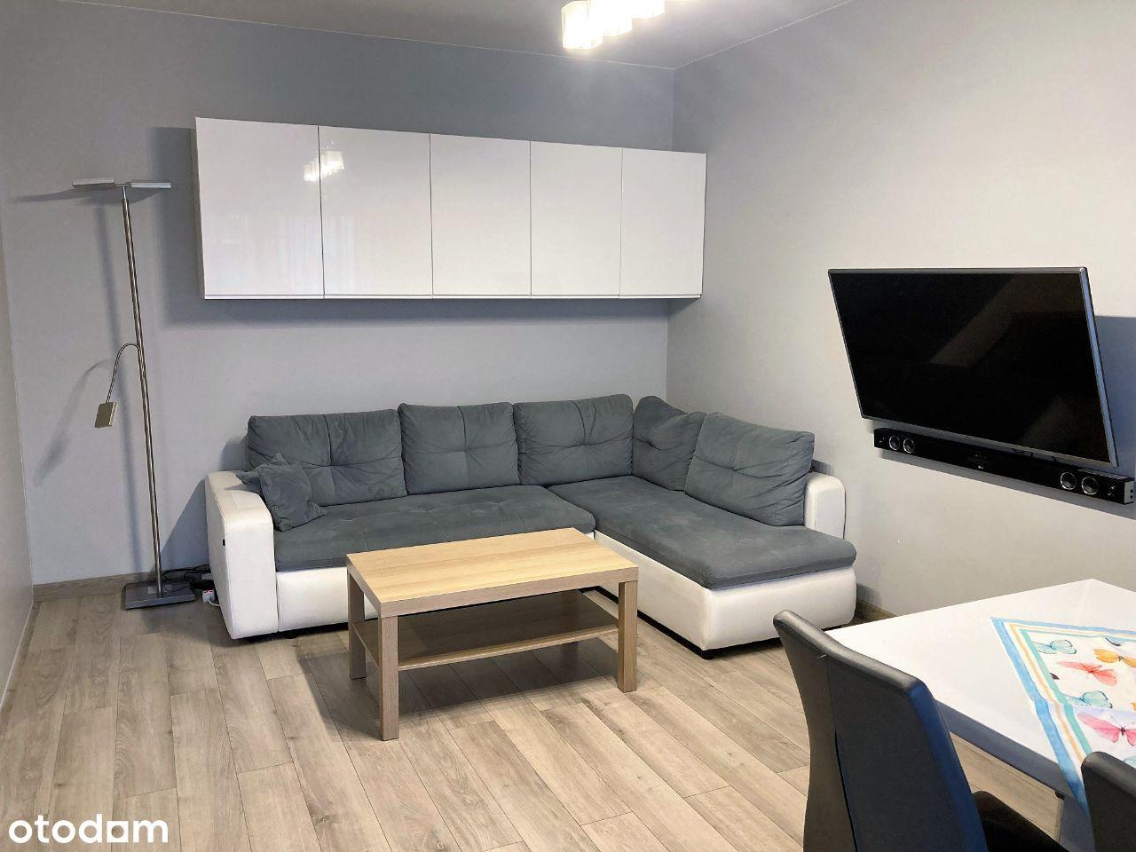 2 pokoje, mieszkanie i miejsce postojowe Jagodno