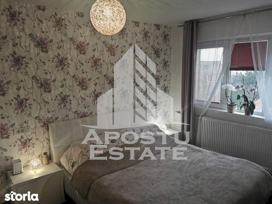 Apartament cu 2 camere decomandat in zona Girocului