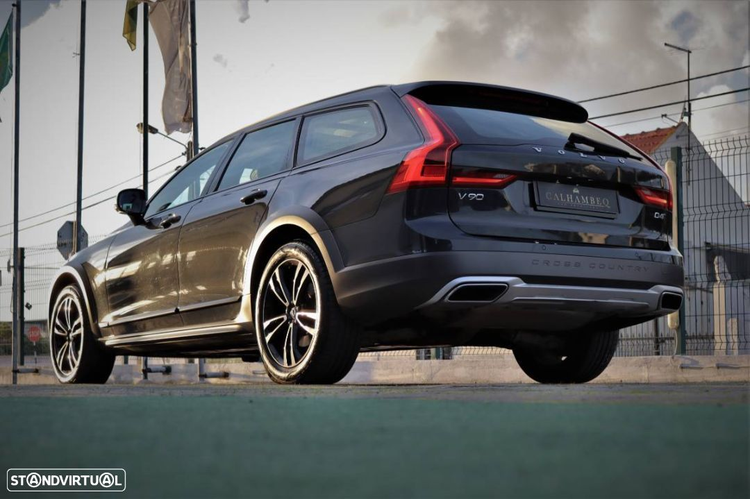 Volvo V90 Cross Country 2.0 D4 Pro AWD Geartronic - 6