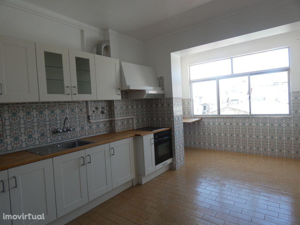 Apartamento T2 no centro de Torres Vedras!