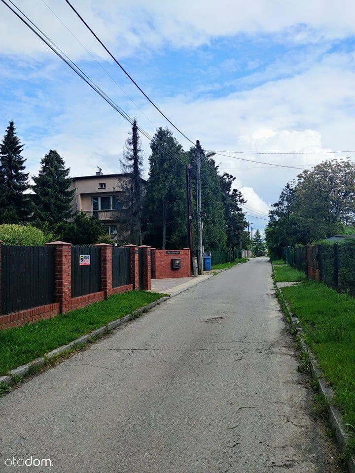 Kazimierz G, 850 m Park Kuronia (Leśna), szkoła.