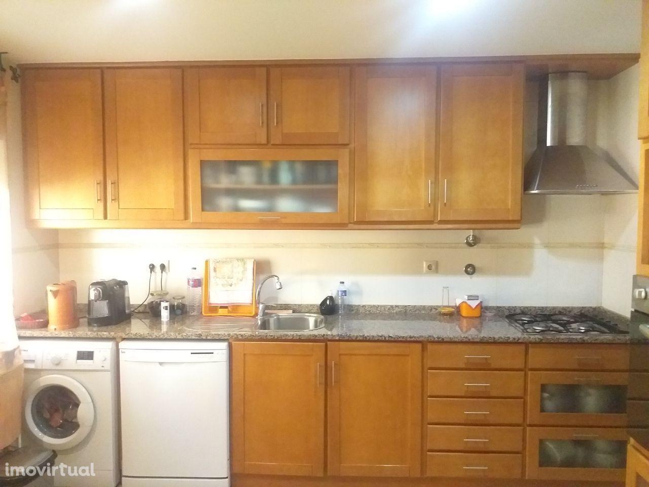 Apartamento T2 na Amora em excelente estado