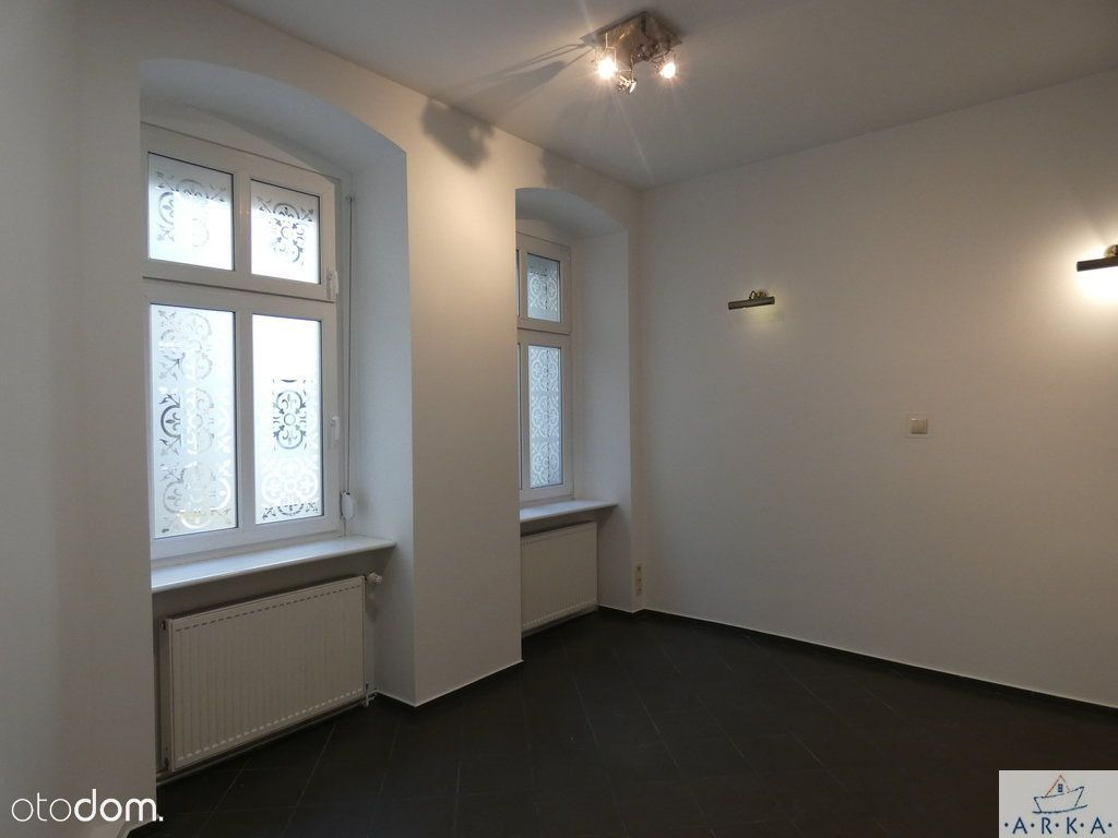 Centrum parter 3 pok. 85 m2 + ew. lokal 25 m2