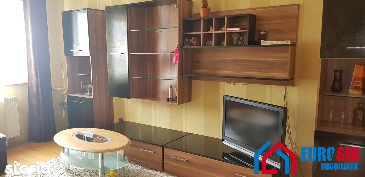 Apartament cu 3 camere decomandat zona Vasile Aaron