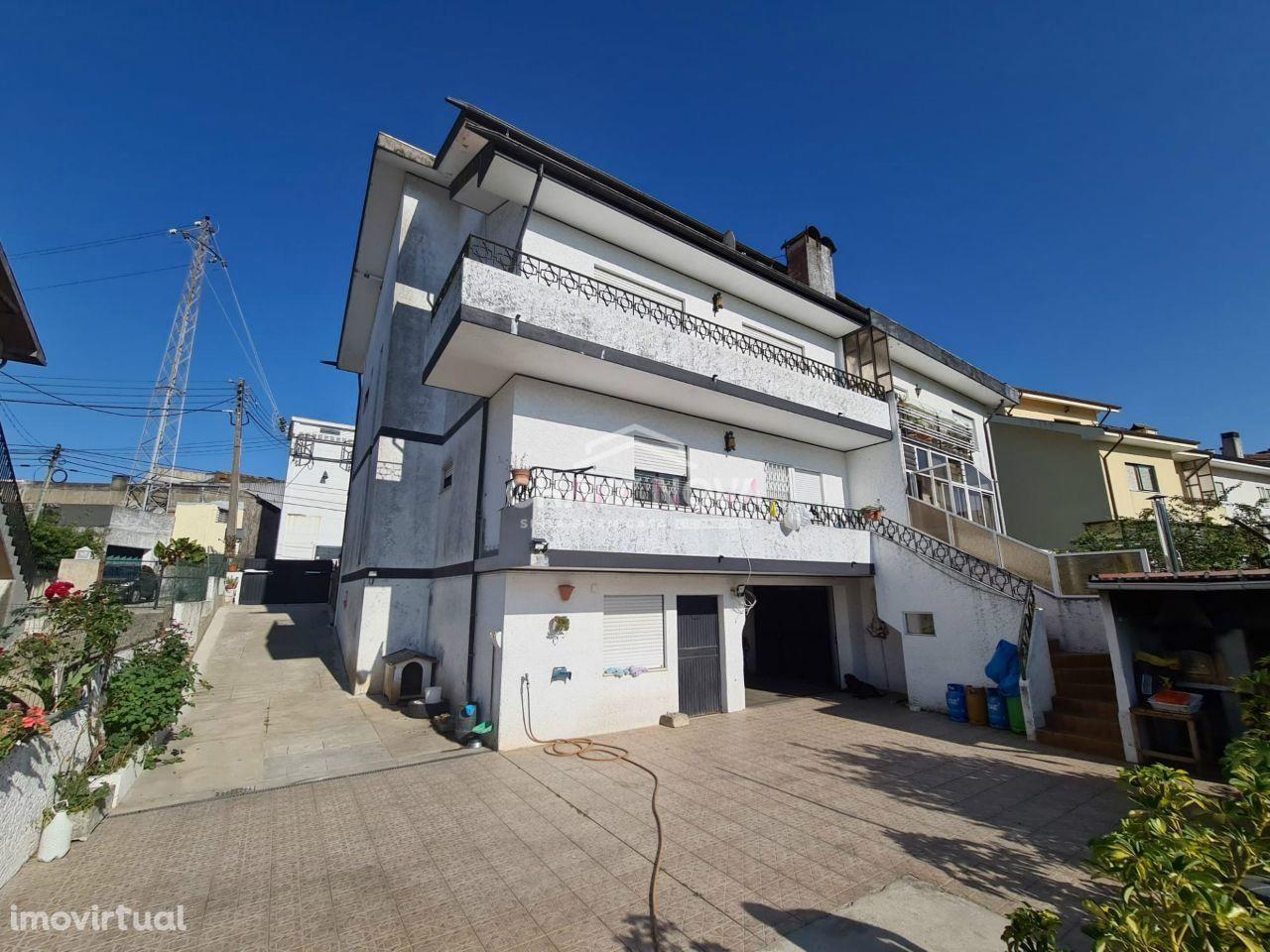 Excelente Moradia T4+1, Oliveira do Douro, Com 400m de Área Bruta