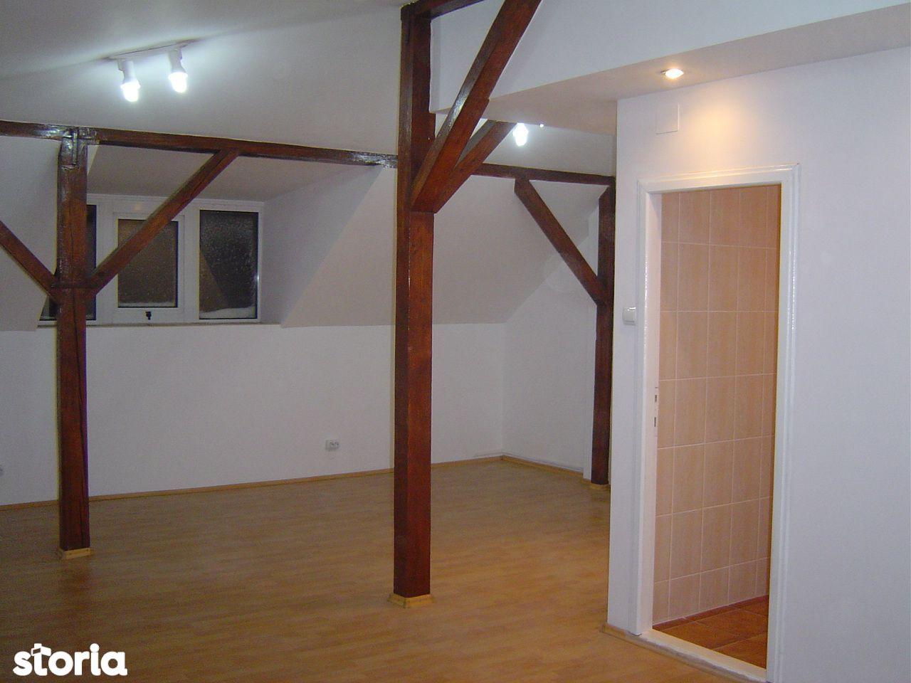 Apartament mansarda Vila P+1E P-ta Muncii - Calea Calarasilor
