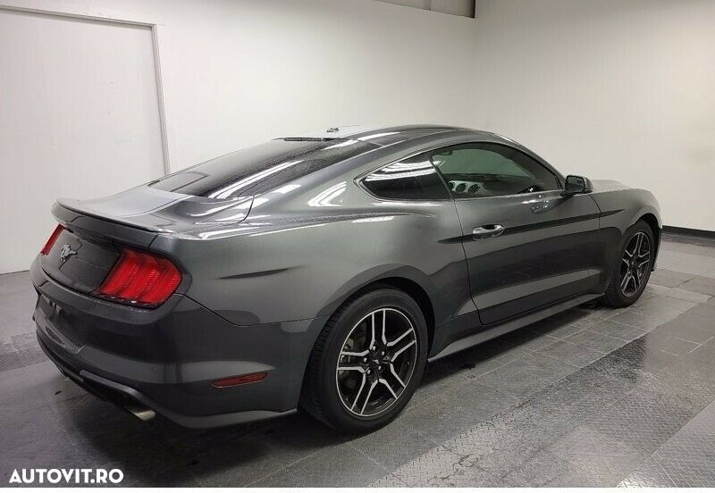 Ford Mustang 2.3 - 4