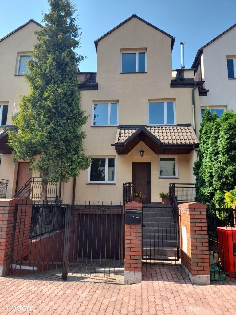 Dom dla rodziny z ogródkiem i garażem