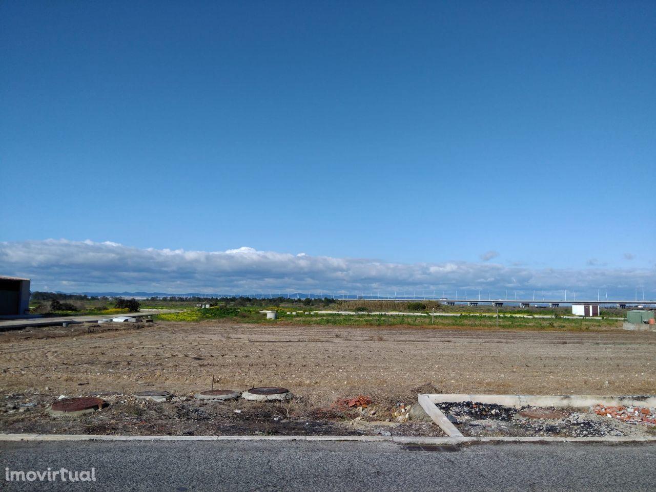 Samouco -Alcoche - Lote terreno aprovado Moradia Geminada em Gaveto