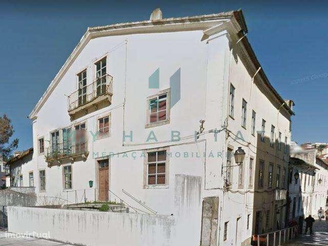 Prédio para comprar, Coimbra (Sé Nova, Santa Cruz, Almedina e São Bartolomeu), Coimbra - Foto 1