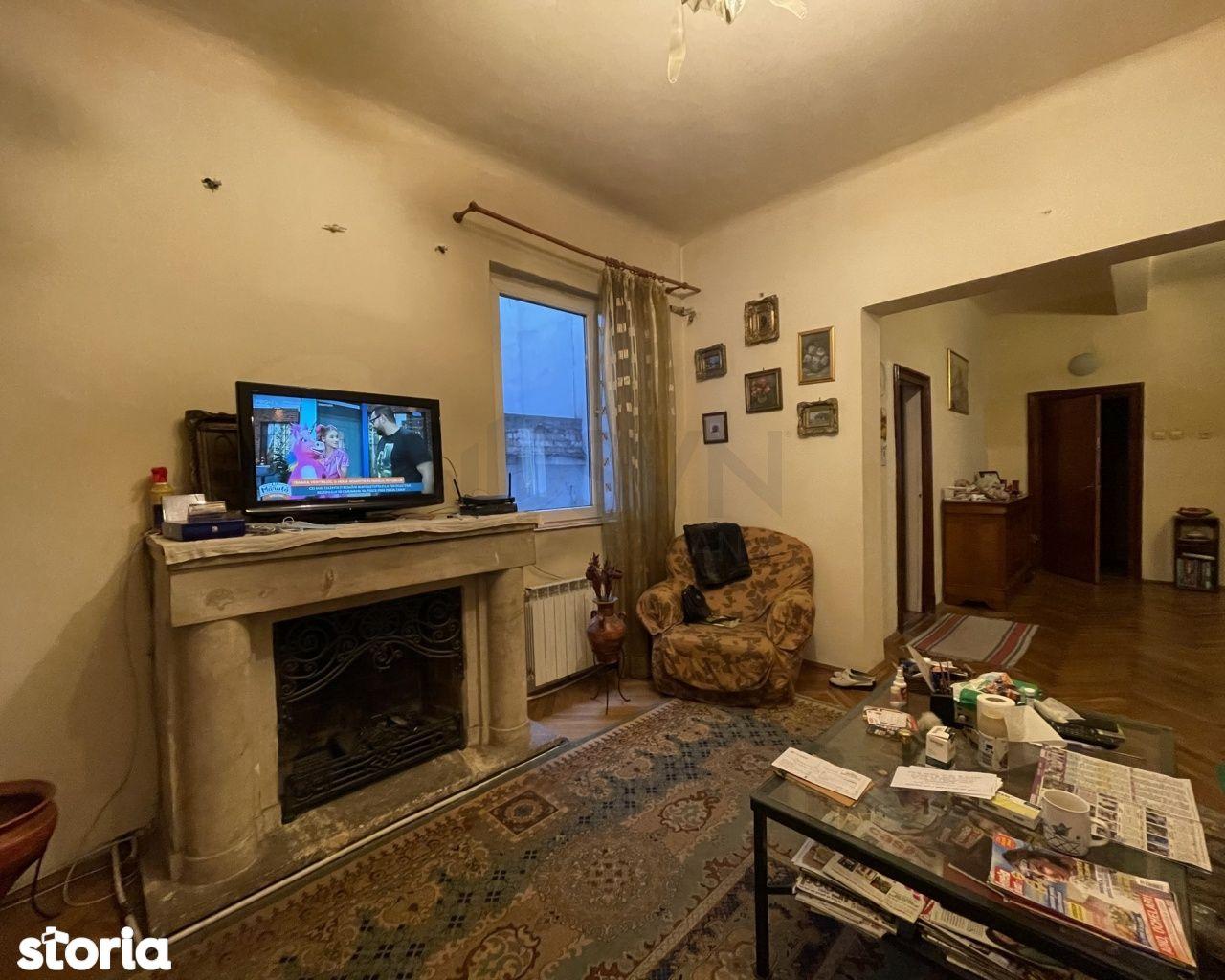 4 Camere Clucerului in Vila cu Apartament la Demisol