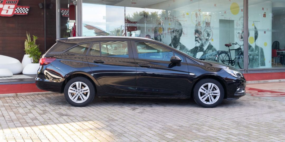 Opel Astra Sports Tourer - 12
