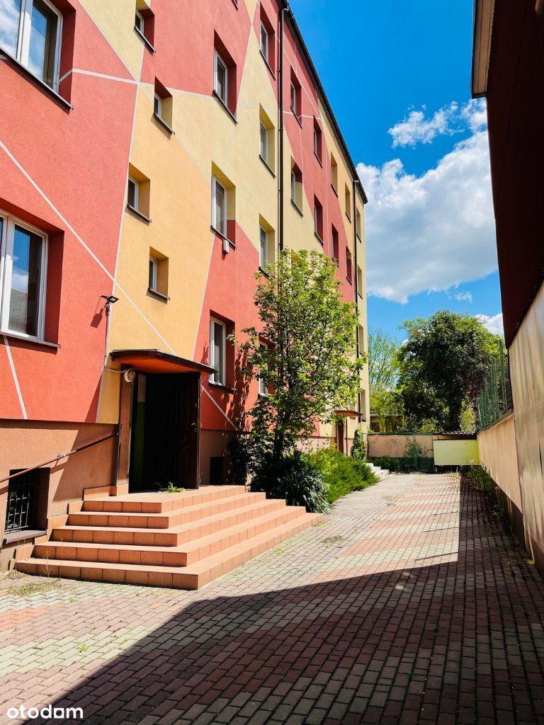 na hostel/biura/mieszkania przy osiedlu