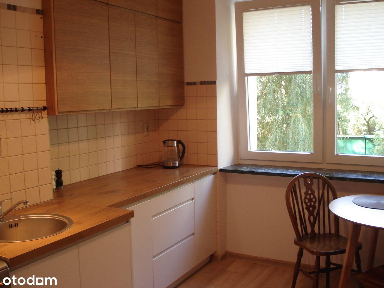 Bronowice - 2 pokoje, osobna kuchnia, garderoba