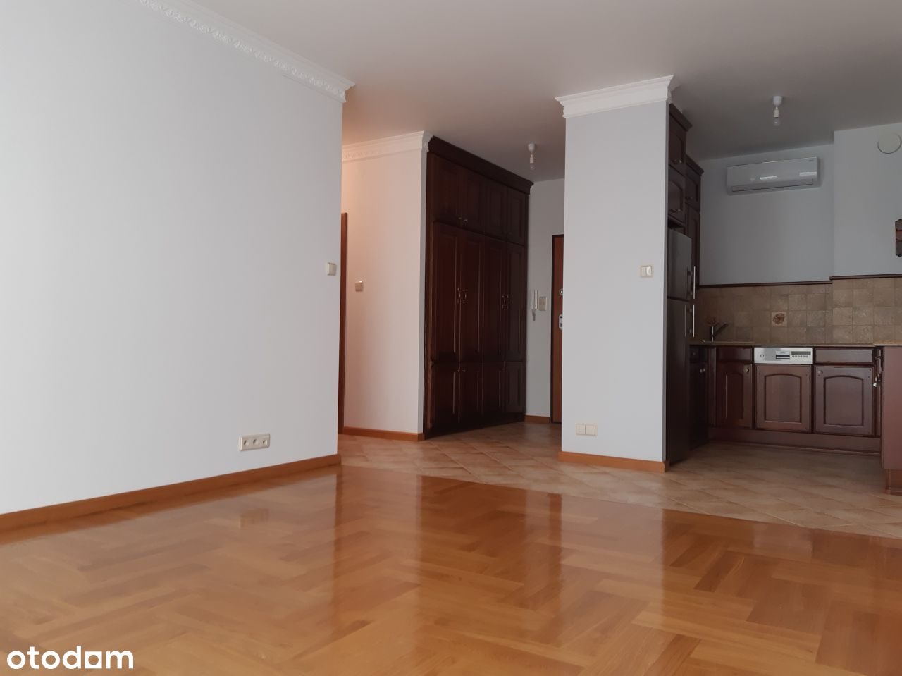 Bezpośrednio 3 pokoje, garaż, komórka_Ewen Shiraz
