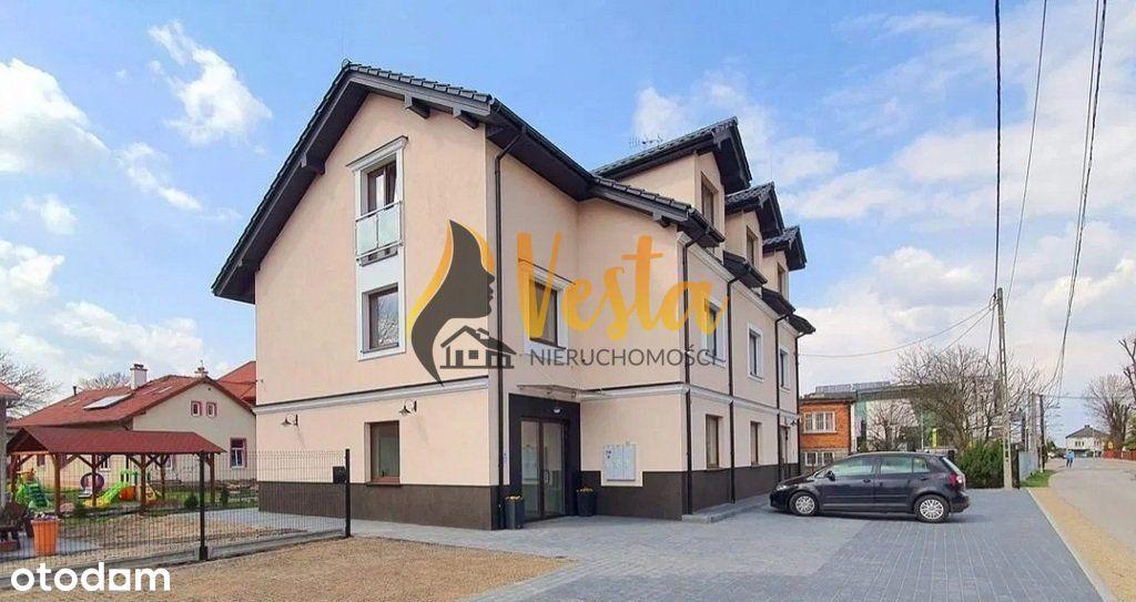 Budynek usługowo-mieszkalny w centrum Niepołomic!