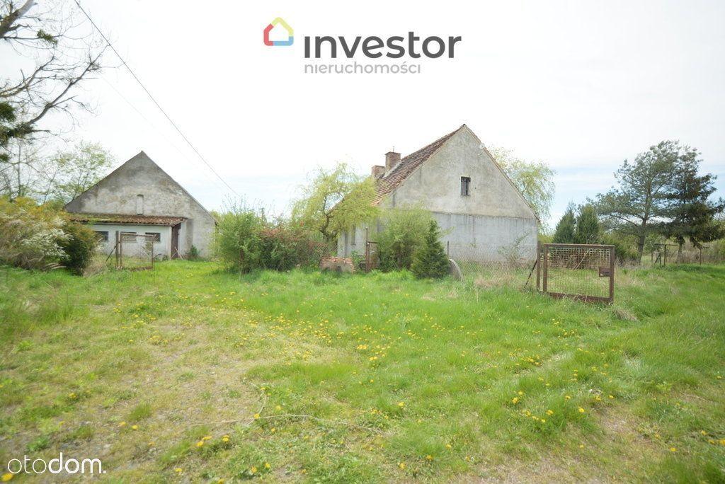 Dom na skraju wsi, pod laskiem