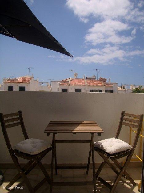 EAR-063 Apartamento T2 Duplex na Manta Rota a 300mts da Praia da Lota