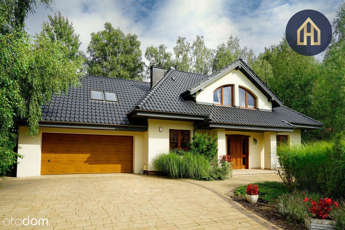 Wyjątkowy dom Villa Czarny Las / Grodzisk Maz