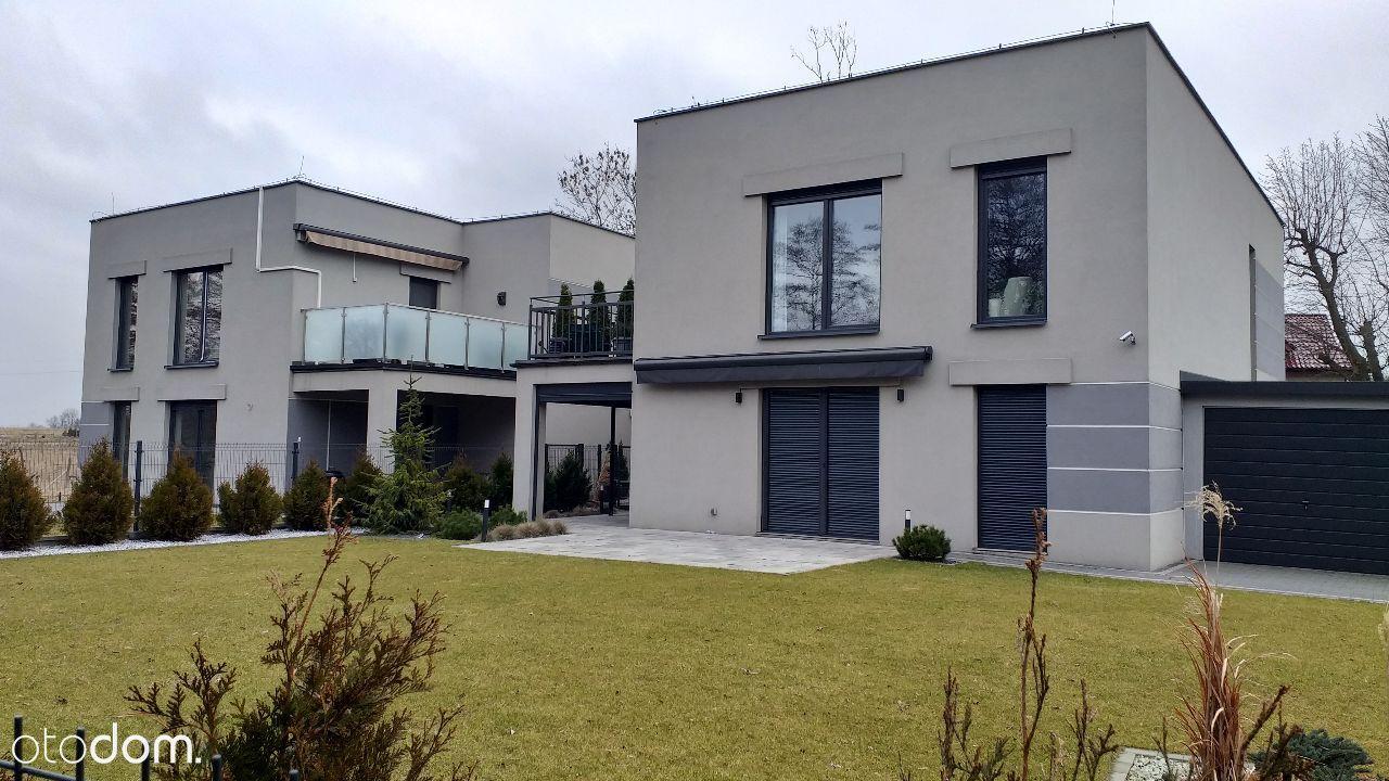 Atrakcyjny nowoczesny apartament z dwoma tarasami