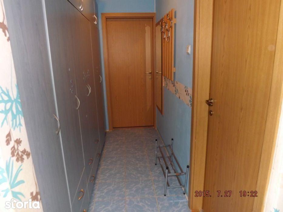 Apartament cu 2 camere decomandate, mobilat si utilat complet