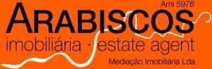 Este moradia para comprar está a ser divulgado por uma das mais dinâmicas agência imobiliária a operar em Estômbar e Parchal, Faro