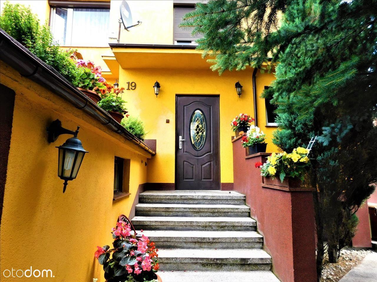 Piętro domu, blisko starówki, garaż, piękny ogród!