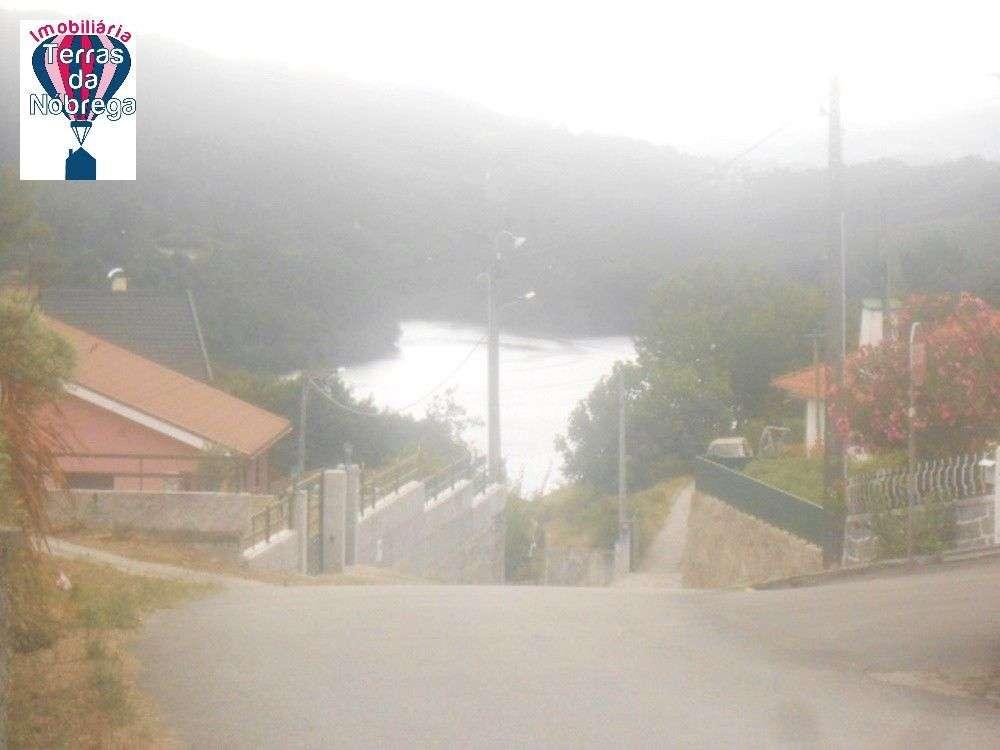 Moradia para comprar, Entre Ambos-Os-Rios, Ermida e Germil, Viana do Castelo - Foto 8