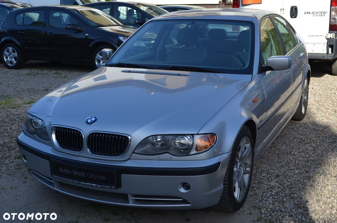 BMW Seria 3 330iM Sedan 6 Manual ksenon - 1