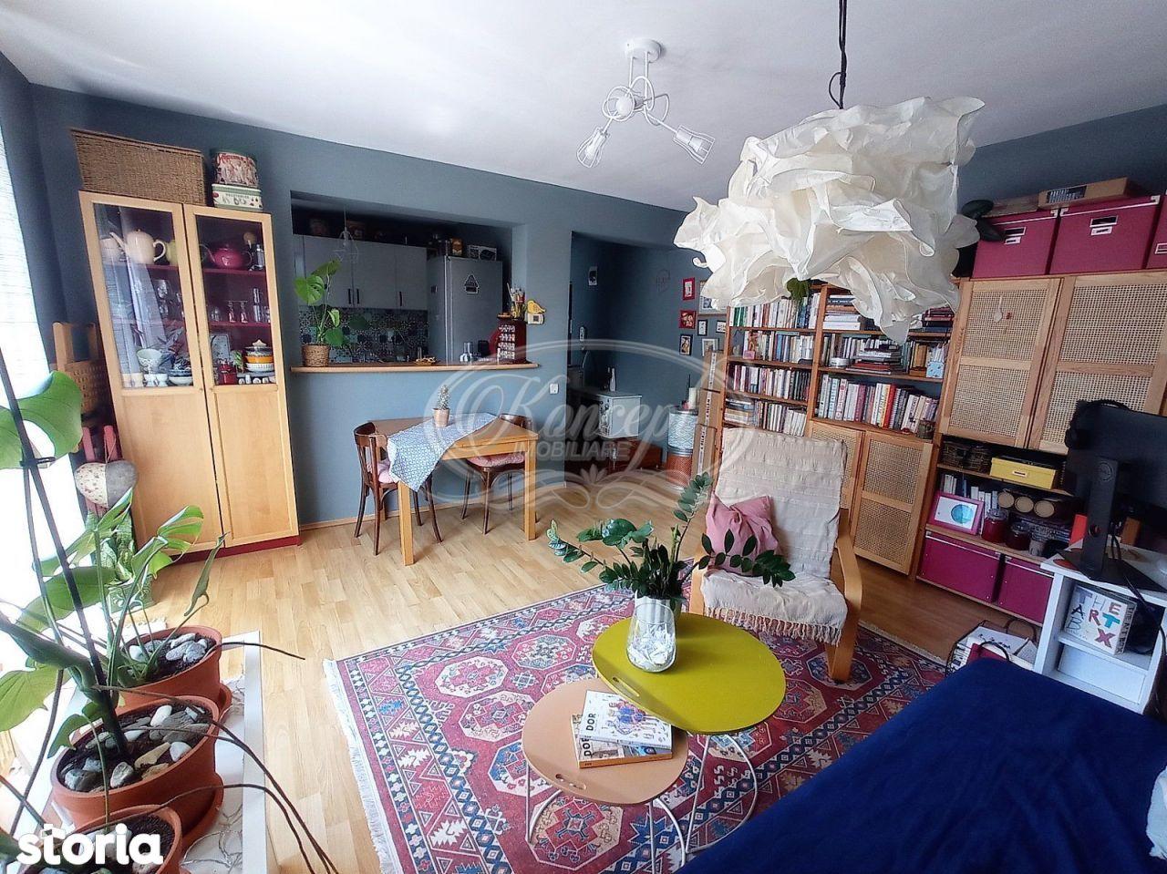 Apartament cu parcare, str. Eroilor Floresti