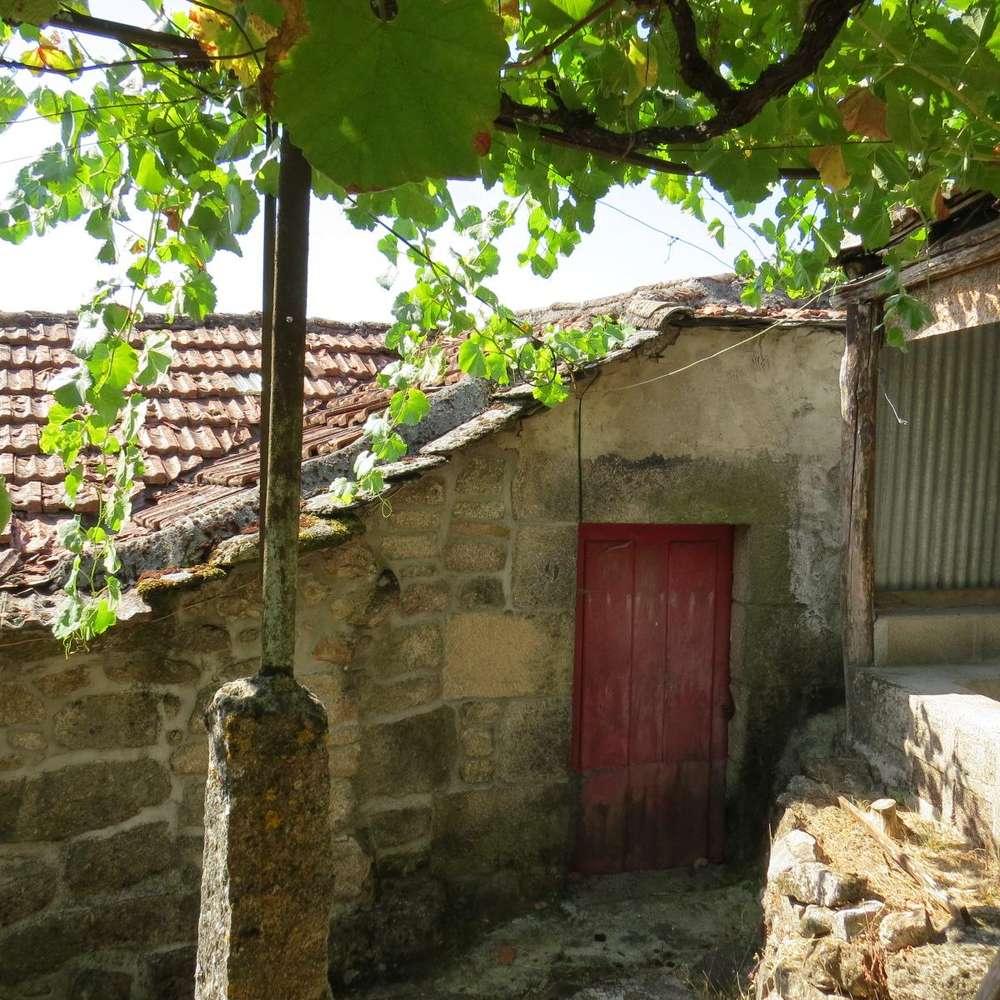 Moradia para comprar, Moimenta e Montouto, Bragança - Foto 1