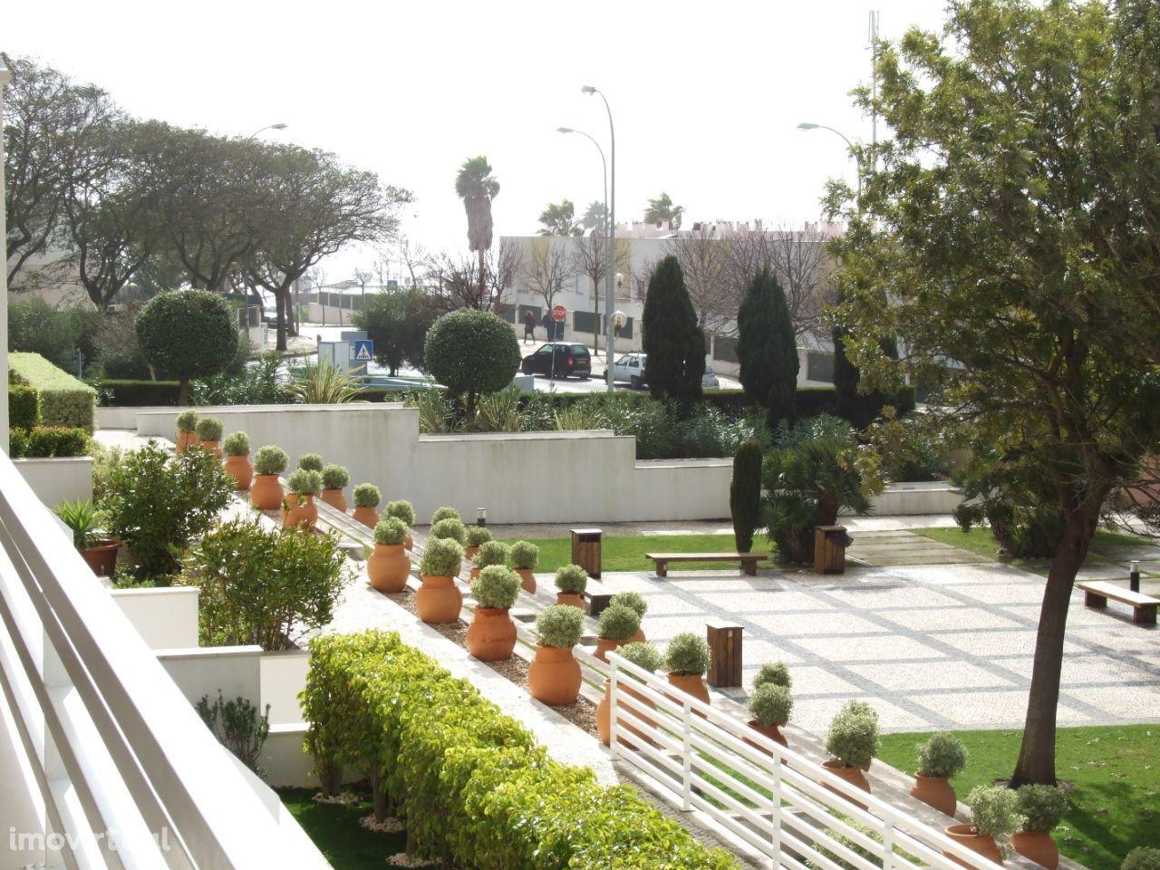 T4 Condomínio Piscinas e Terraços Jardins da Parede
