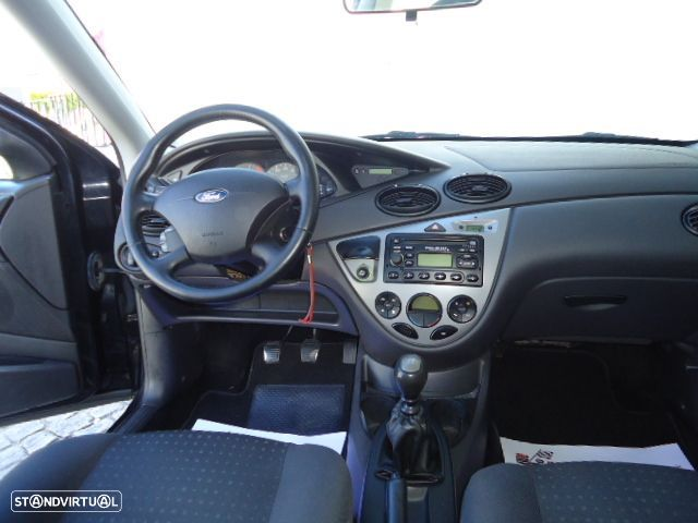 Ford Focus SW - 20