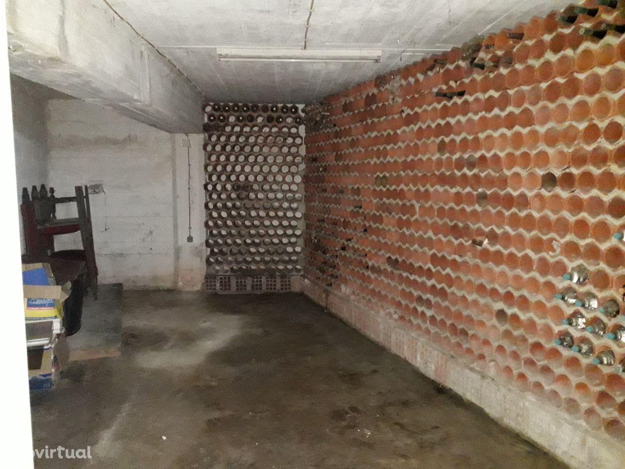 Garagem 22 m2 em Santo António de Caparica