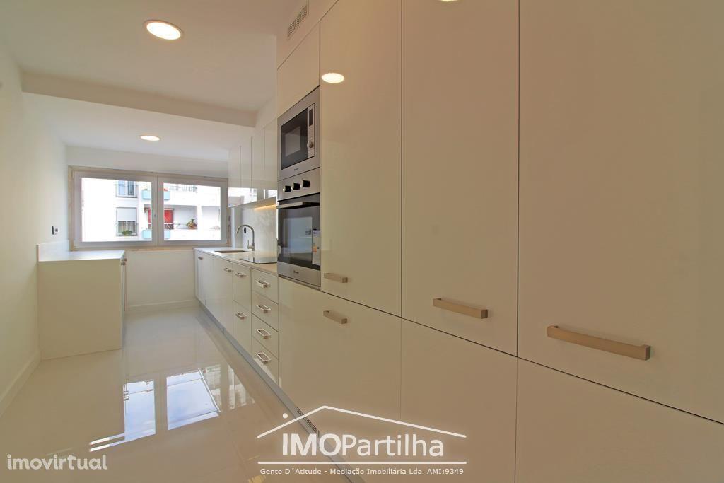 T3-Fantástico apartamento em Cascais com Garagem.