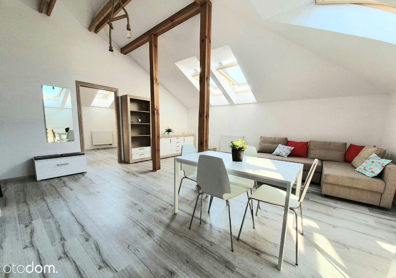 Nowe, piekne mieszkanie na poddaszu.