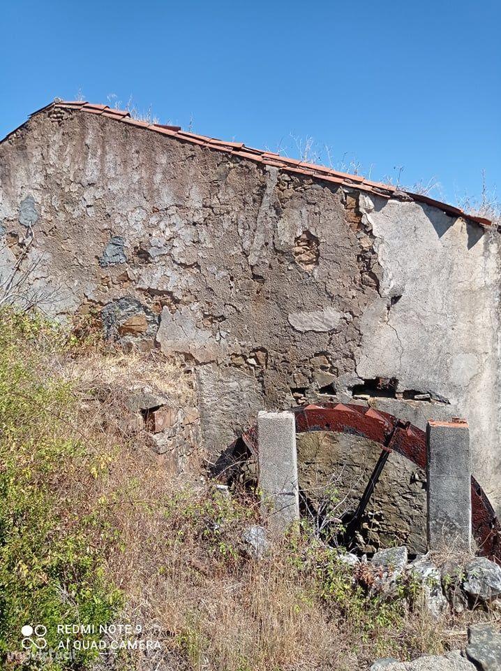 Lagar em Ruína para reconstrução em Carregueira - Mação