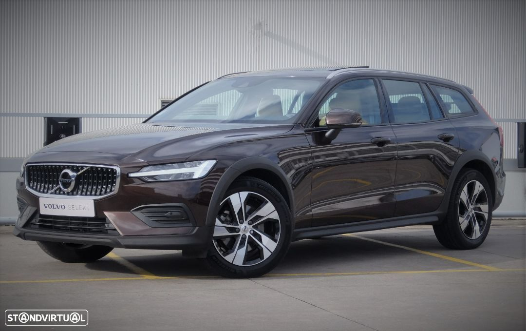 Volvo V60 Cross Country 2.0 D4 Pro Geartronic - 1