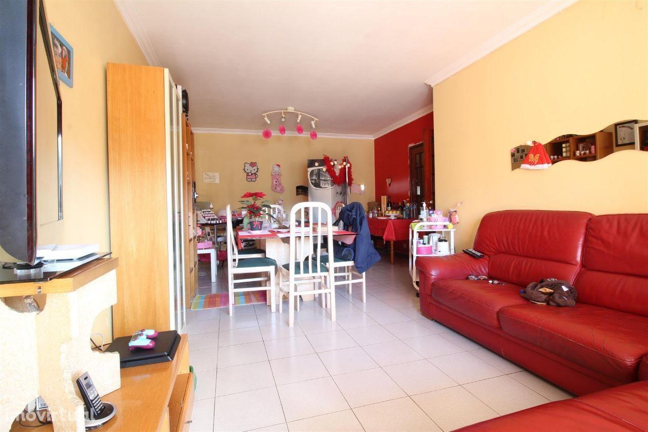 Apartamento T3 em Oliveira do Douro