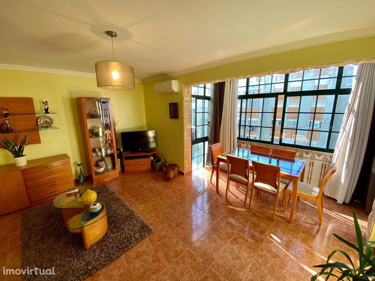 Apartamento T3 na Quinta do Rouxinol, Corroios.