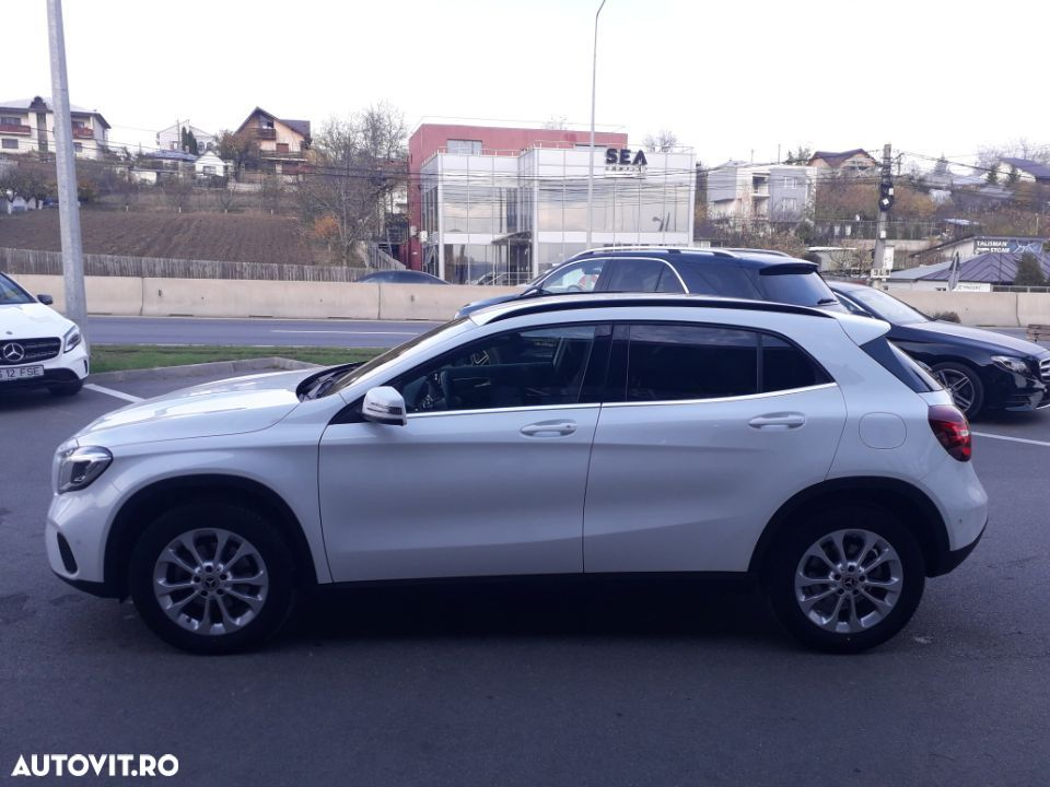 Mercedes-Benz GLA 200 - 4