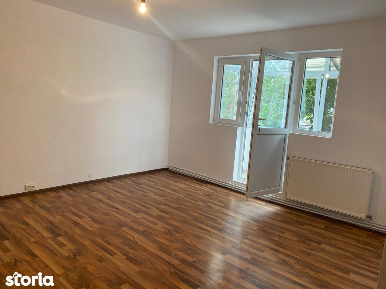 Vanzare apartament 3 camere, confort 1, Targoviste, micro 4