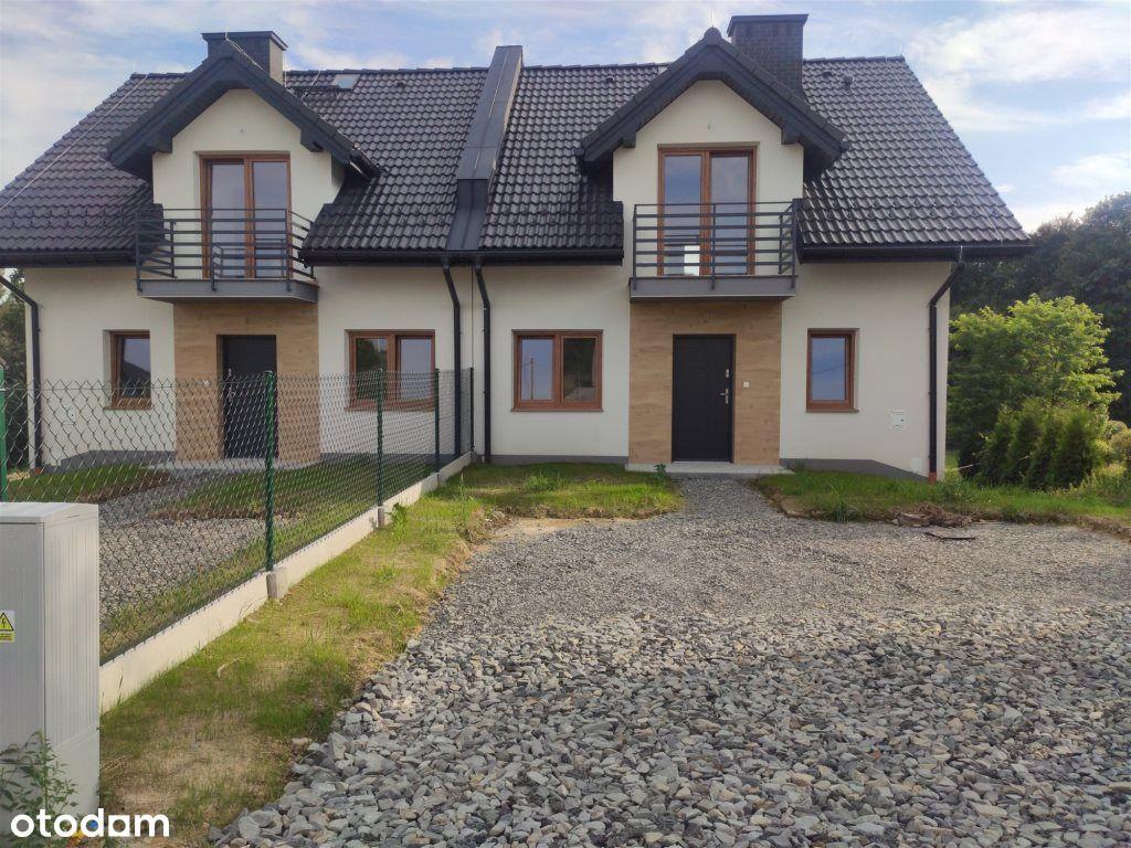 Nowe solidnie wybudowane domy z dużymi działkami.