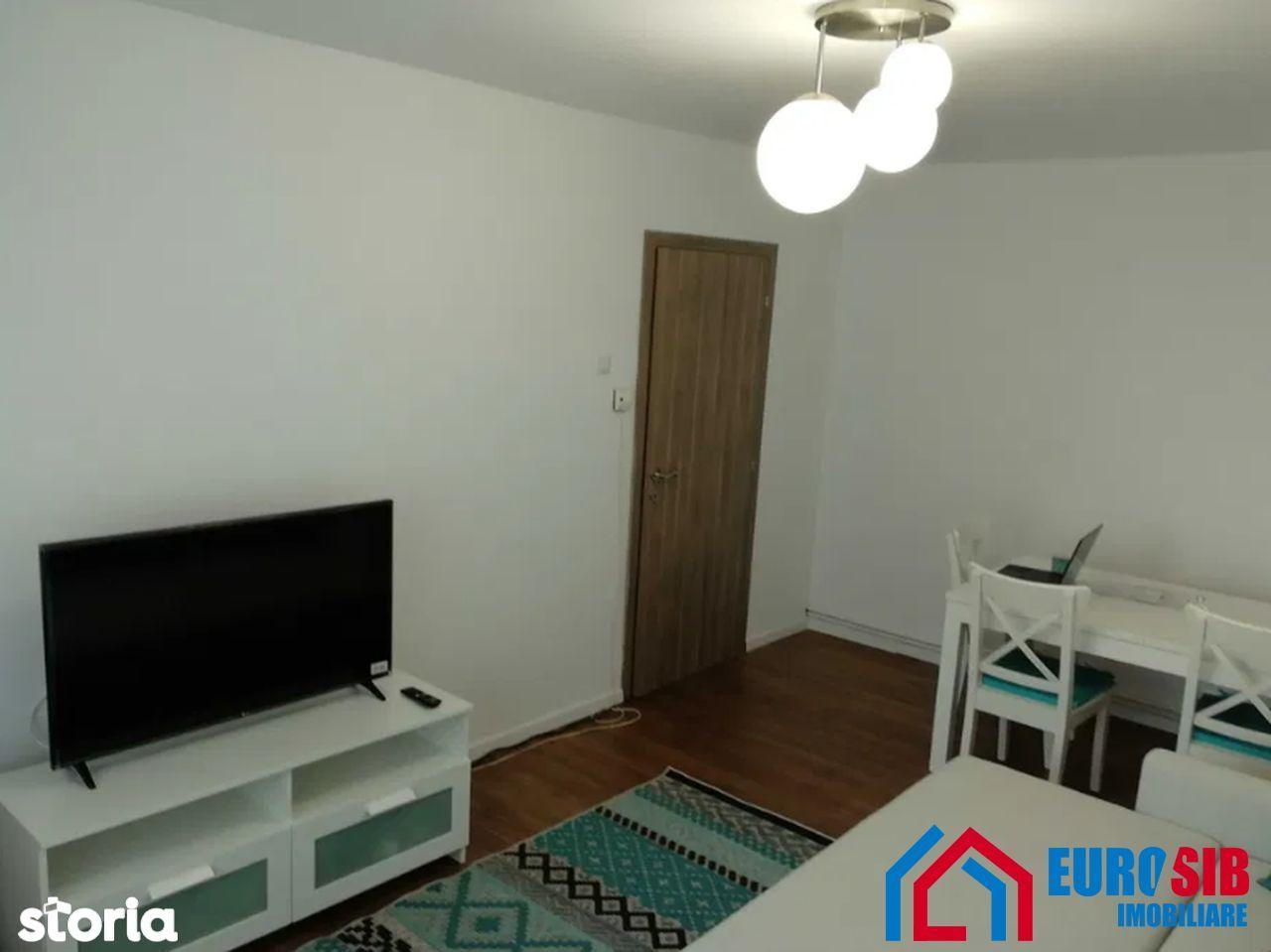 Apartament cu 3 camere decomandat de închiriat în Sibiu zona Valea