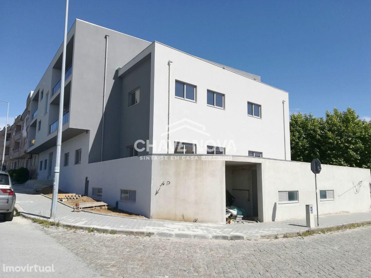 Apartamento T-2 em Nogueira da Regedoura - Santa Maria da Feira