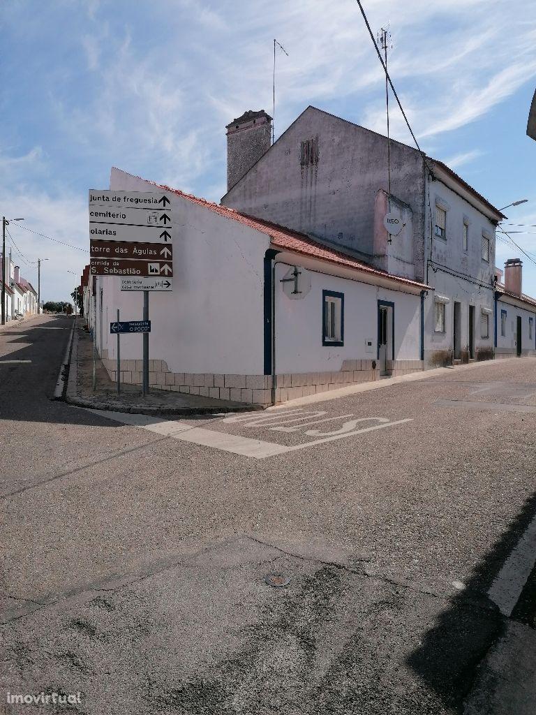 Mora (BROTAS) casa térrea Moradia, T2 com terraço e logradouro