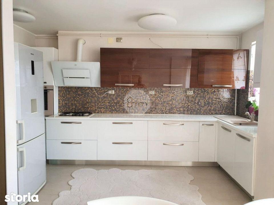 Vanzare Apartament, Decomandat, 4 Camere, 129 mp, Zona Hotel Gala !