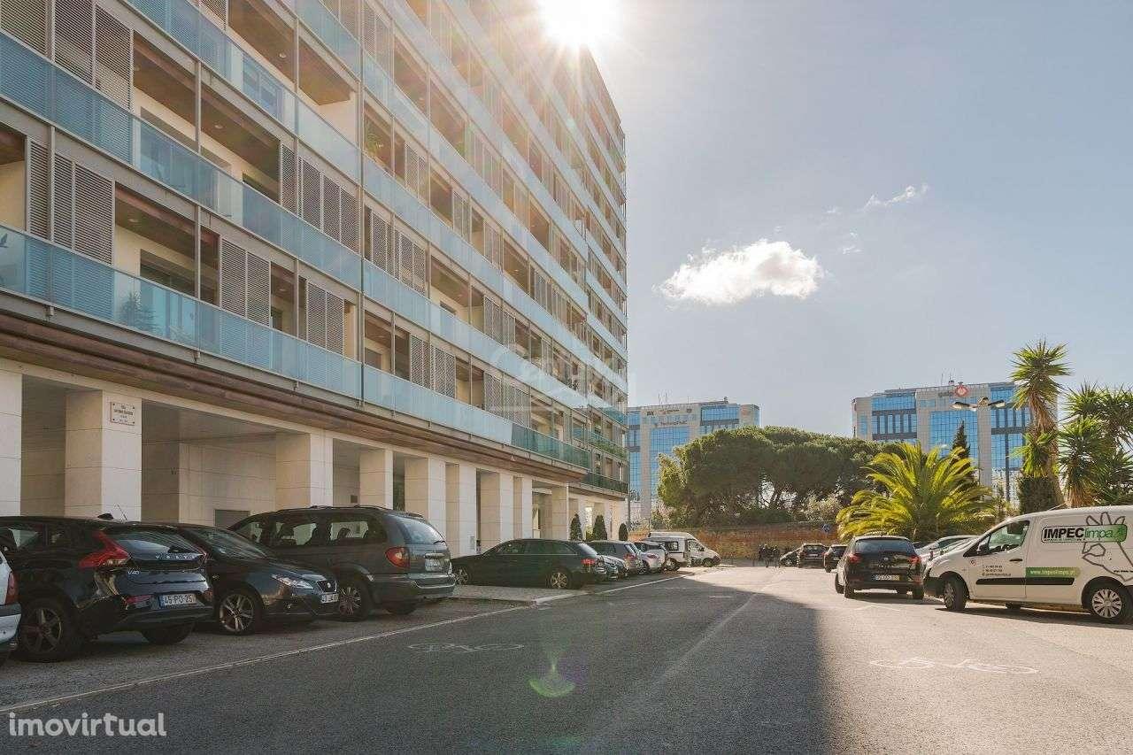 Apartamento para arrendar, Carnide, Lisboa - Foto 17