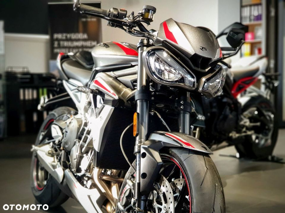 Triumph Street Triple RS Silver Ice - 29