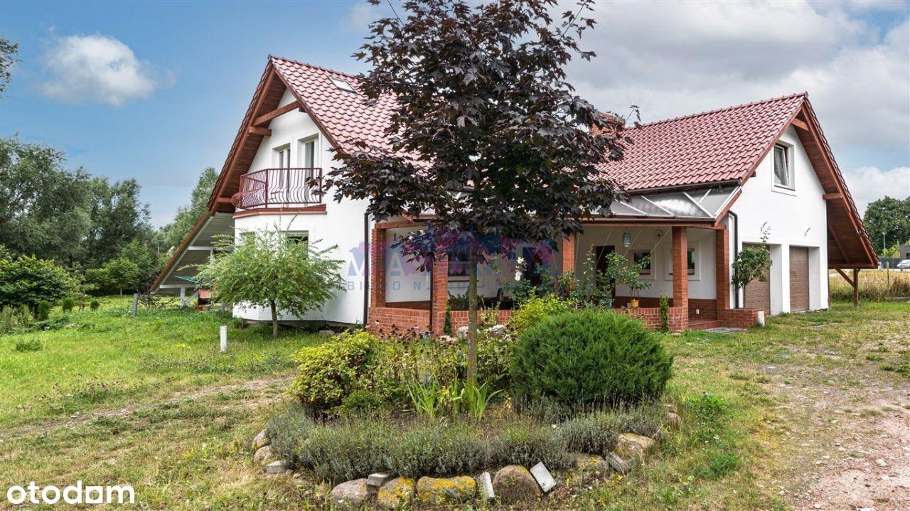 Dom wolnostojący na działce 2799 m2 w Juszkowie.